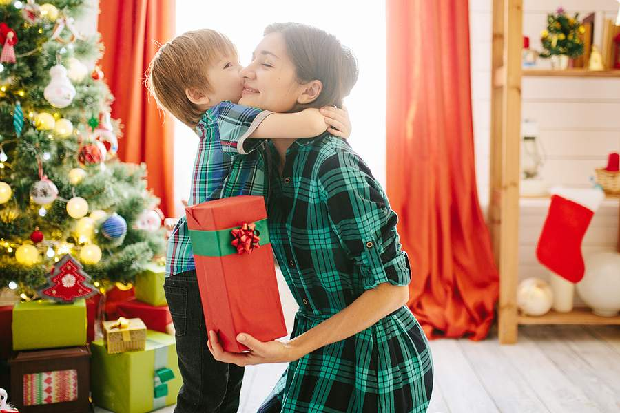 How Divorced Parents Can Split Time Evenly During the Holidays